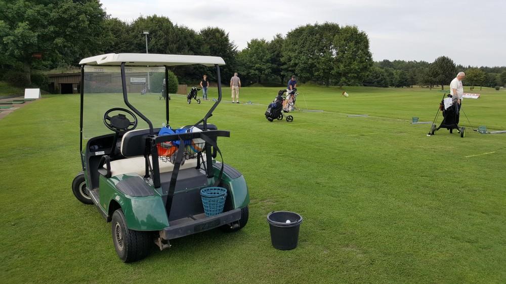 Golfen lernen auf Driving Range